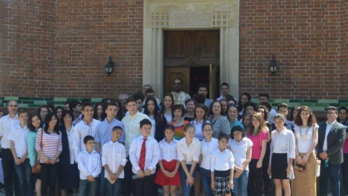 Liturghie de mulţumire la sfârşit de an şcolar
