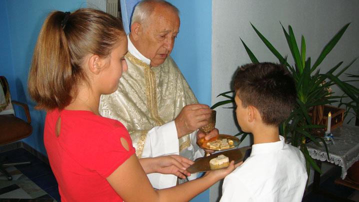 Prima Sfântă Împărtăşanie în parohia Fericita Tereza de Calcutta