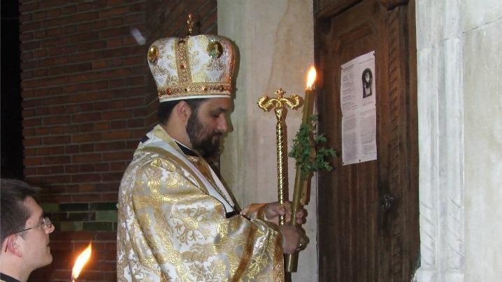 Dialogul nopții de Înviere de la poarta bisericii  prezent în ceremonia deschiderii Porții Sfinte din Eparhiile greco-catolice