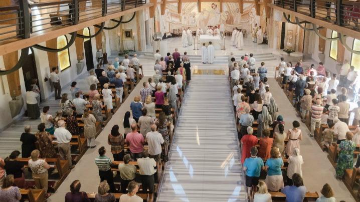"""Biserica se naște cu credința Preacuratei"""