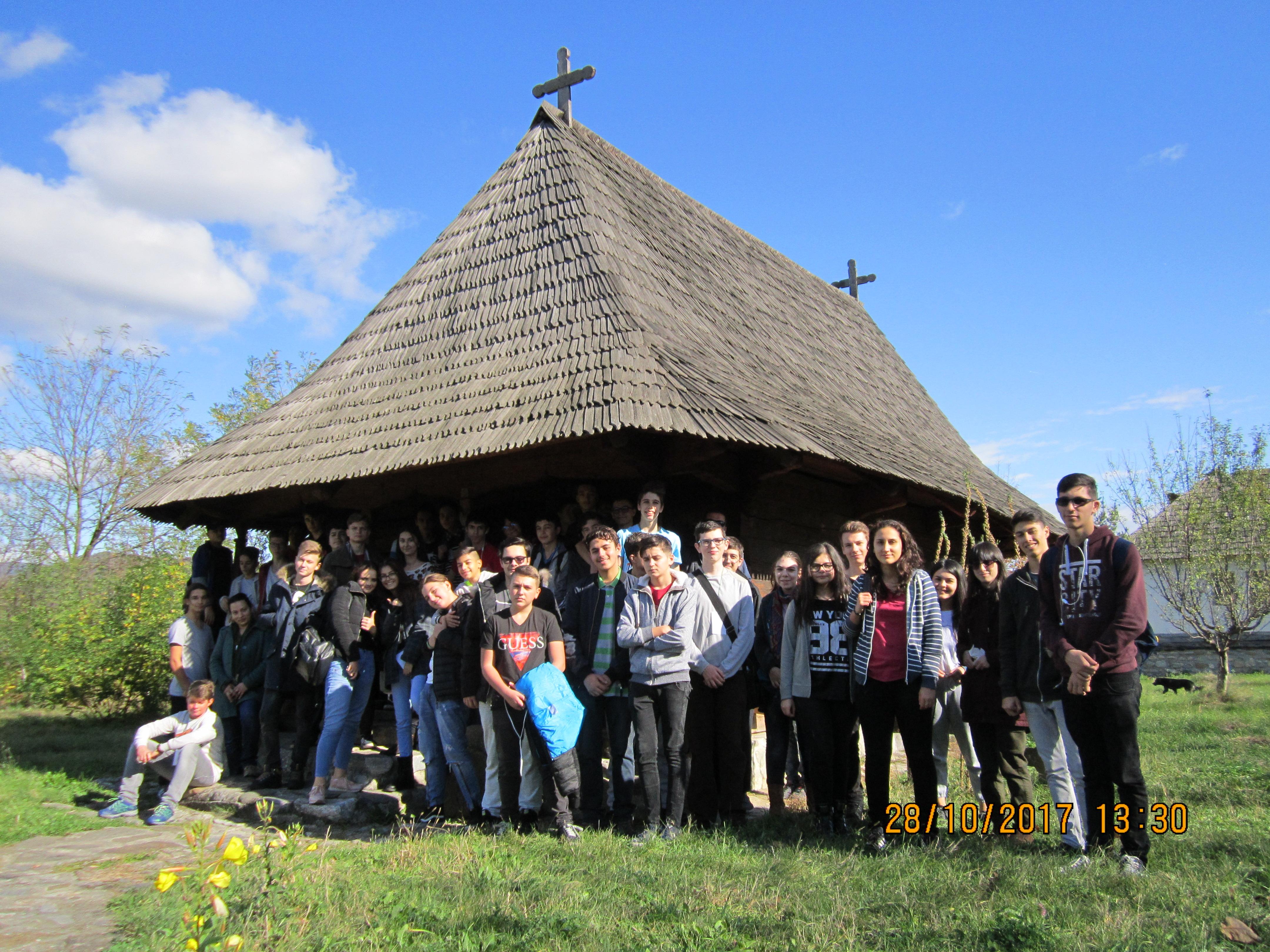 Excursie la Cozia a elevilor de la Liceul Greco-Catolic din București