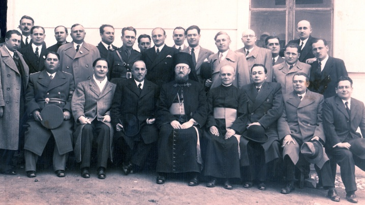 Episcopul Vasile Aftenie la 25 de ani de la absolvirea liceului