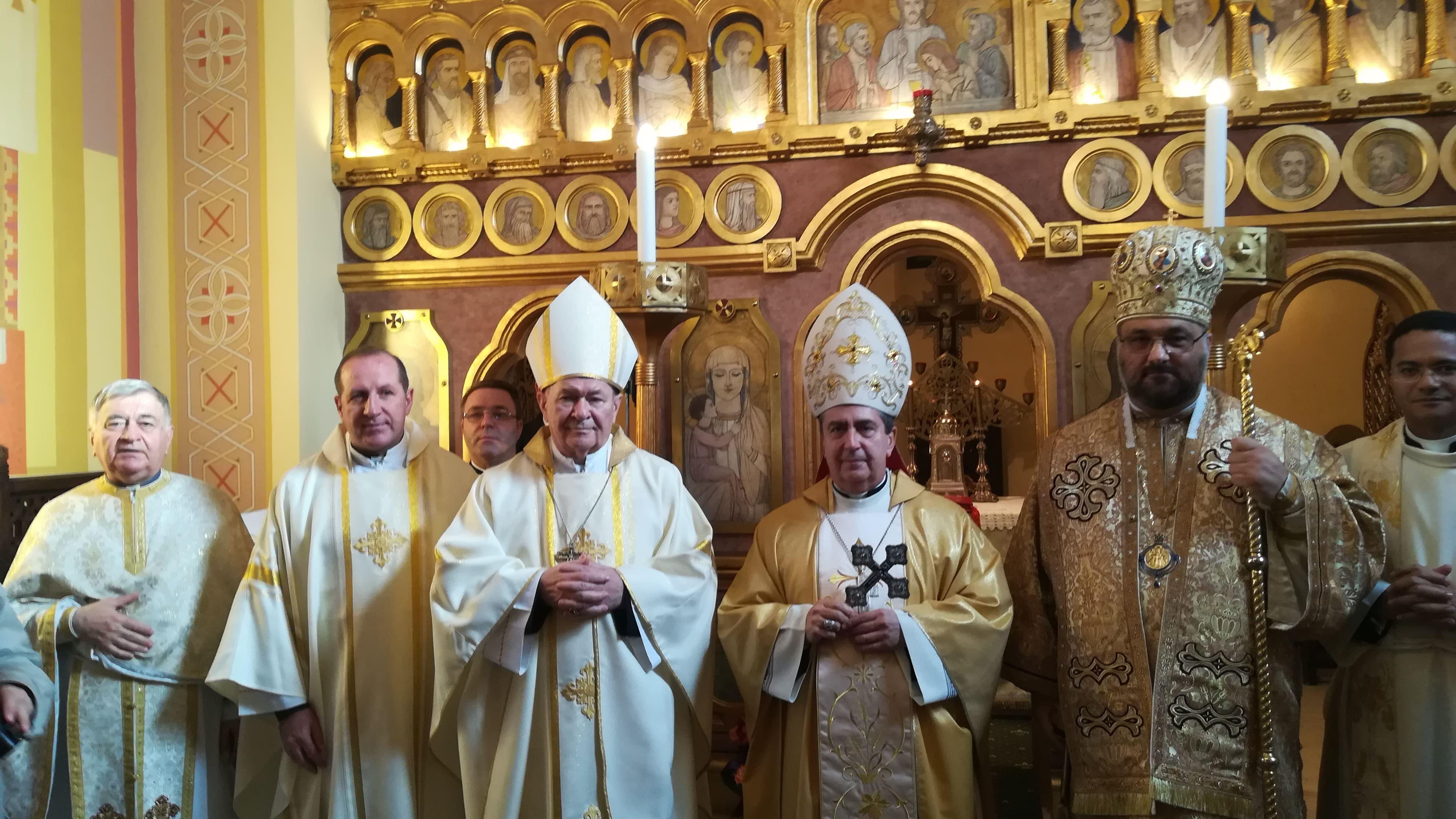 110 ani de la sfințirea altarului – Sfânta Liturghie la catedrala Sfântul Vasile