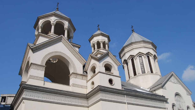 """""""Dumnezeu nu oferă binele ca premiu, ci ca adaus la căutarea Împărăției sale"""" – Cuvântul PS Mihai în Catedrala armeană"""