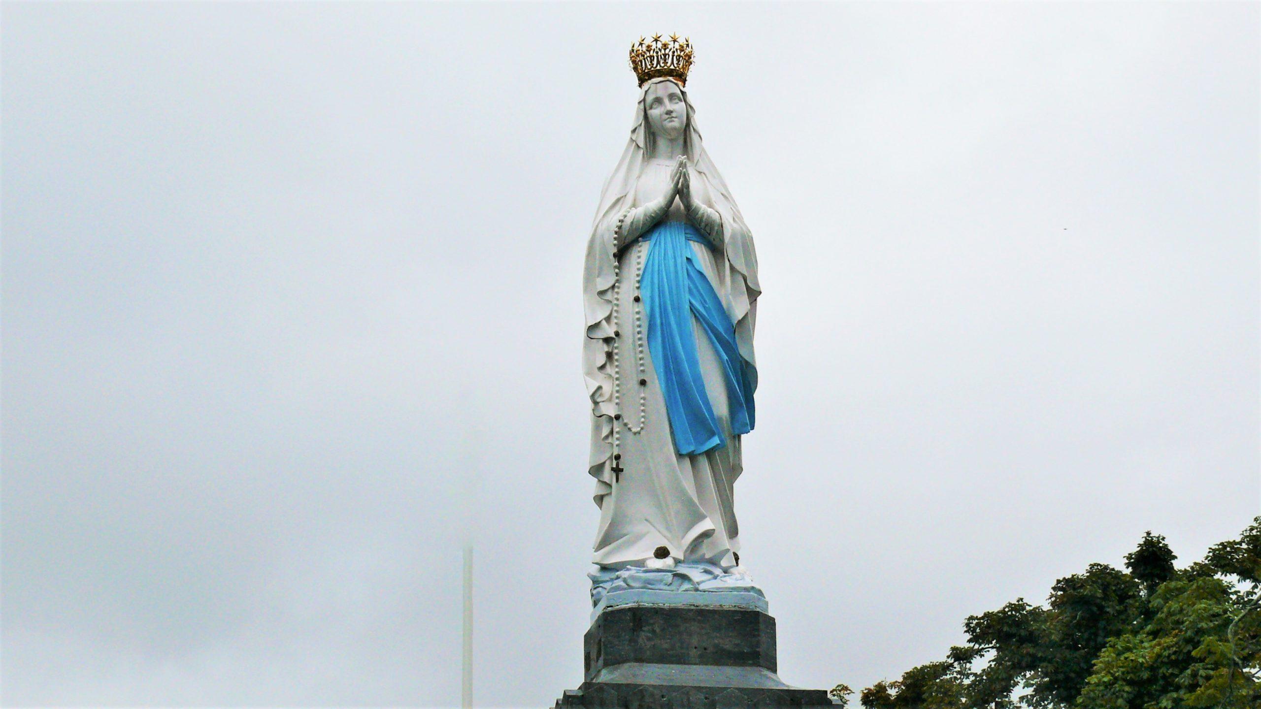 Prima apariție a Maicii Preacurate la Lourdes – 11 februarie 1858. Ziua închinată rugăciunii pentru bolnavi