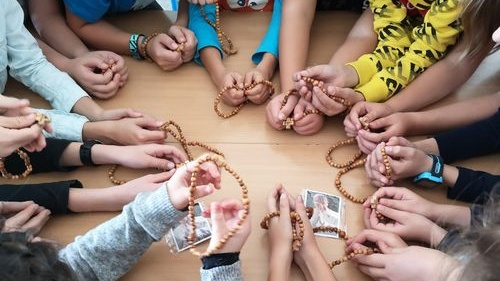Uniți prin rugăciunea Rozariului